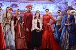 Model at Anju Modi Luxury Festive 2017 collection on 29th Dec 2016 (121)_586606320cb11.JPG