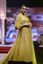 Model at Anju Modi Luxury Festive 2017 collection on 29th Dec 2016 (17)_586605f11bdce.JPG