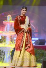Model at Anju Modi Luxury Festive 2017 collection on 29th Dec 2016 (39)_586605ff6c9f7.JPG