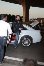 Sanjay Dutt snapped at airport on 29th Dec 2016 (34)_58660476af2a9.JPG