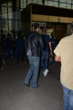 Sanjay Dutt snapped at airport on 29th Dec 2016 (43)_5866047bd06a3.JPG