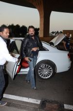 Sanjay Dutt snapped at airport on 29th Dec 2016 (35)_5866047751630.JPG