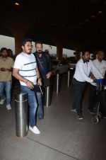 Sanjay Dutt snapped at airport on 29th Dec 2016 (40)_5866047a232f7.JPG