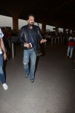 Sanjay Dutt snapped at airport on 29th Dec 2016 (41)_5866047aad3a1.JPG