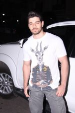 Sooraj pancholi snapped on 29th Dec 2016 (1)_586605446fa16.JPG
