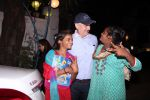 Anupam Kher snapepd with street kids on 30th Dec 2016 (15)_586752932bdd9.JPG