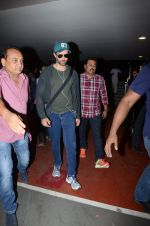 Hrithik Roshan snapped at airport on 30th Dec 2016 (31)_586752612e453.JPG