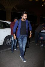 Jackky Bhagnani snapped at airport on 30th Dec 2016 (44)_586752660a5af.JPG