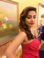Hina khan in Red HOT Gown at london event (1)_5869f384ce501.jpg