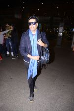 Manish Malhotra snapped at airport on 1st Jan 2016 (19)_5869f6fb9466c.JPG