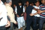 Abhishek Bachchan at Om Puri_s funeral on 7th Jan 2017 (76)_5872225c0a1c3.JPG