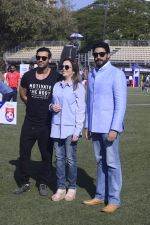 Abhishek Bachchan, Nita Ambani at national soccer finals for schools on 7th Jan 2017 (1)_58723edc26e8c.jpg