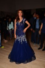 Esha Gupta walk for Archa Kocchar show for Discon on 7th Jan 2017 (68)_587240a5a2595.JPG