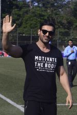 John Abraham at national soccer finals for schools on 7th Jan 2017 (33)_58723f3c350dc.jpg