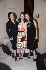 Raveena Tandon at Manish Malhotra hosts dinner for Vogue International�s Suzy Menkes on 6th Jan 2016 (107)_5872243b60ccf.JPG