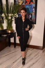 Raveena Tandon at Manish Malhotra hosts dinner for Vogue International�s Suzy Menkes on 6th Jan 2016 (33)_58722439e7b29.JPG