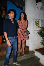 Ritesh Sidhwani snapped at Olive on 6th Dec 2016 (2)_58722249142c7.jpg