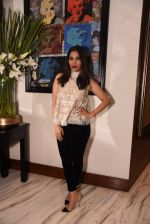 Sophie Chaudhary at Manish Malhotra hosts dinner for Vogue International�s Suzy Menkes on 6th Jan 2016 (59)_58722482c6e83.JPG