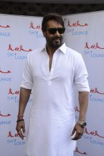 Ajay Devgan at Sheesha Sky Lounge launch on 8th Jan 2017 (11)_58735a6f0d082.JPG