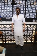 Ajay Devgan at Sheesha Sky Lounge launch on 8th Jan 2017 (22)_58735a782b7cc.JPG