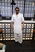 Ajay Devgan at Sheesha Sky Lounge launch on 8th Jan 2017 (23)_58735a7906ee4.JPG