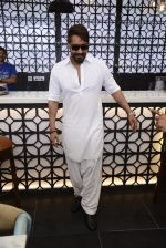 Ajay Devgan at Sheesha Sky Lounge launch on 8th Jan 2017 (26)_58735a7b8a9d2.JPG
