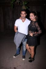 Amrita Arora at Farhan Akhtar_s bash at home on 8th Jan 2017 (16)_58735aba6d8a6.JPG