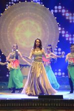 Esha Gupta at Star Plus Dhakkad Dhamaal on 8th Jan 2017 (170)_58735dee498e5.JPG