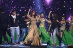 Esha Gupta at Star Plus Dhakkad Dhamaal on 8th Jan 2017 (203)_58735e047d3ed.JPG