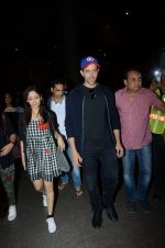 Hrithik Roshan and Yami Gautam return from Dubai on 9th Jan 2017 (38)_58735b33a50aa.JPG