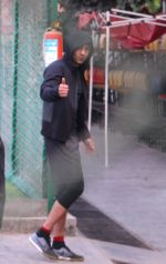 Ranbir Kapoor snapped at soccer match on 8th Jan 2017 (10)_58735beccfe94.JPG