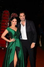 Sunny Leone at Stardust Awards 2016 on 8th Jan 2017 (48)_5873639f93276.JPG