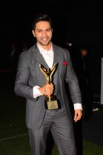 Varun Dhawan  at Stardust Awards 2016 on 8th Jan 2017 (161)_587363e73f9b4.JPG