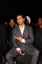 Varun Dhawan at Stardust Awards 2016 on 8th Jan 2017 (145)_587363e85a4ba.JPG