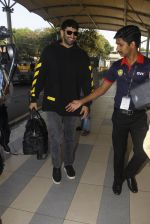 Aditya Roy Kapoor snapped at airport on 9th Jan 2017 (17)_5874801150381.JPG