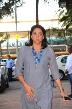 Priya Dutt at Nandita Puri prayer meet for Om puri on 9th Jan 2017 (25)_5874812e2d831.JPG
