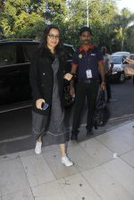Shraddha Kapoor snapped at airport on 9th Jan 2017 (6)_5874805d7442b.JPG