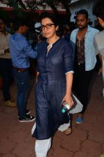 Tisca Chopra at Nandita Puri prayer meet for Om puri on 9th Jan 2017 (86)_587481823afb3.JPG