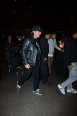 Dj Axwell snapped at airport on 10th Jan 2017 (42)_587606c882e55.JPG