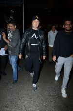 Dj Axwell snapped at airport on 10th Jan 2017 (45)_587606ca6acef.JPG