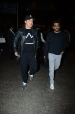 Dj Axwell snapped at airport on 10th Jan 2017 (46)_587606cb06355.JPG