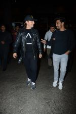 Dj Axwell snapped at airport on 10th Jan 2017 (51)_587606cde7bc8.JPG