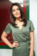 Raashi Khanna photo shoot  (14)_58760765ece87.JPG