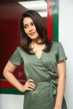 Raashi Khanna photo shoot  (17)_58760769316fc.JPG