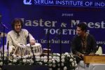 Zakir Hussain and Sachin Tendulkar concert on 9th Jan 2017 (13)_587603c0c2c9a.JPG
