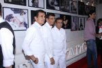 Abbas Mastan at Dabboo Ratnani calendar launch in Mumbai on 11th Jan 2017 (194)_5877558e5bb73.JPG