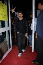Shahrukh Khan at Dabboo Ratnani calendar launch in Mumbai on 11th Jan 2017 (452)_58775788e0e3d.JPG