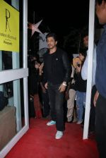 Shahrukh Khan at Dabboo Ratnani calendar launch in Mumbai on 11th Jan 2017 (451)_5877578851ddf.JPG