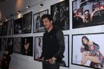 Shahrukh Khan at Dabboo Ratnani calendar launch in Mumbai on 11th Jan 2017 (464)_5877578fb2133.JPG