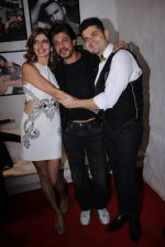 Shahrukh Khan at Dabboo Ratnani calendar launch in Mumbai on 11th Jan 2017 (477)_5877579714ad9.JPG